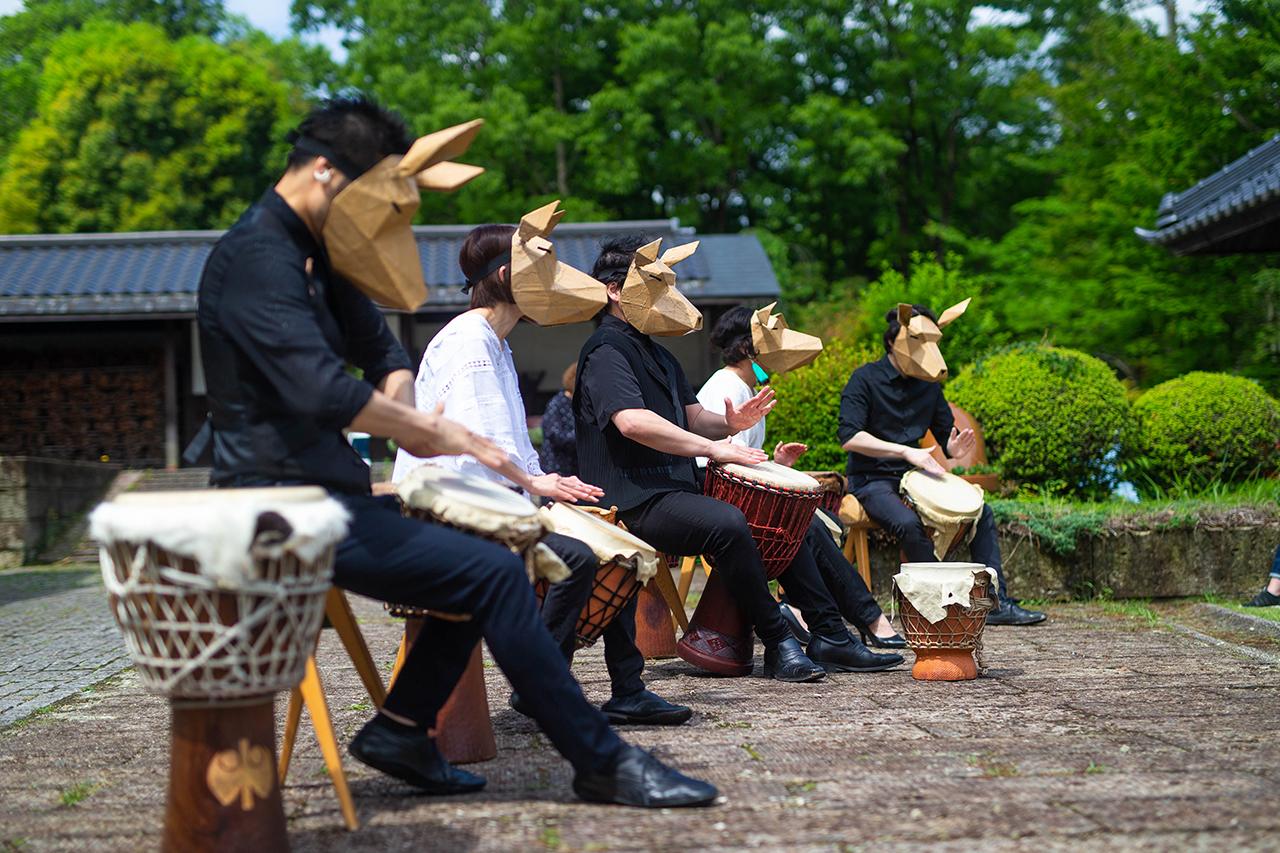 5人でも縄文太鼓の演奏